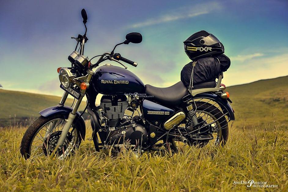 royal enfield - thunderbird - bullet bike
